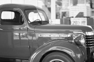 GM truck b&w-07515